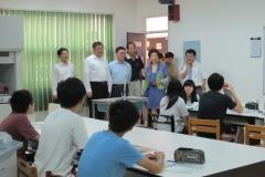3728_貴賓參觀十年級上課-2